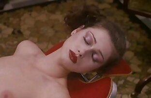 समुद्र तट पर रूसी फुल सेक्सी फिल्में सौंदर्य के साथ सेक्स,