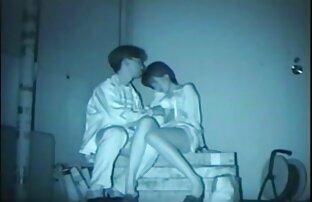 एक वेश्यालय में सेक्सी फिल्म एचडी फुल वीडियो पकड़ा